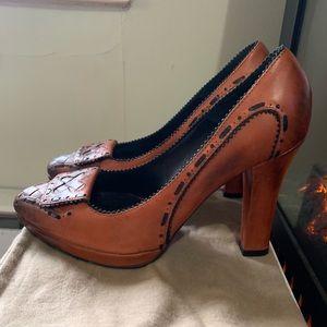 Bottega Veneta Burnt Orange Leather Heels😍